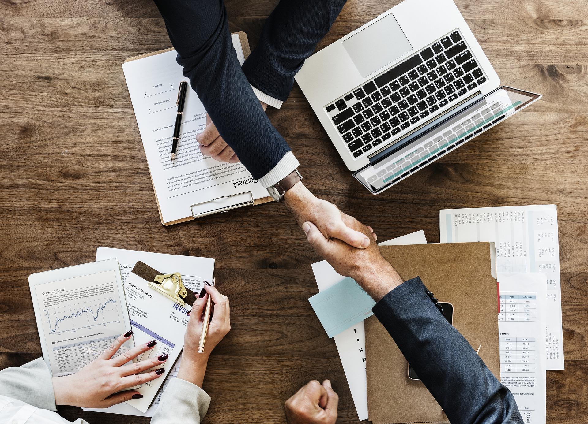 Zusammenarbeit im Büro