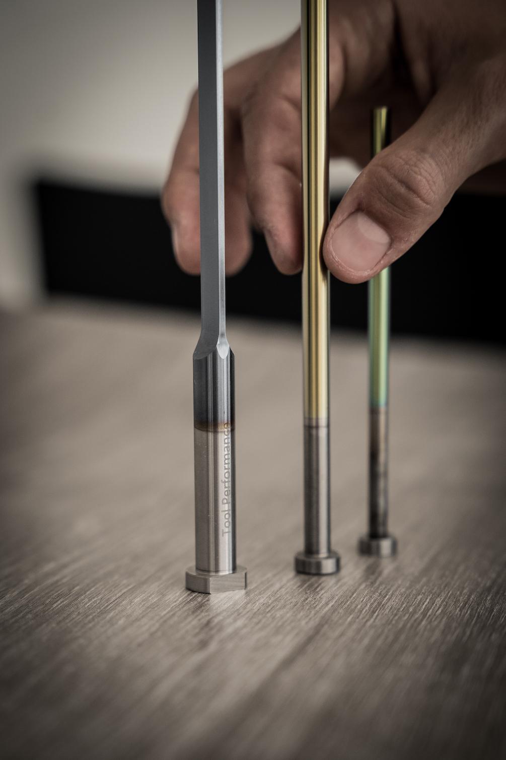 Bunte stehende Auswerfer der Firma Tool Performance